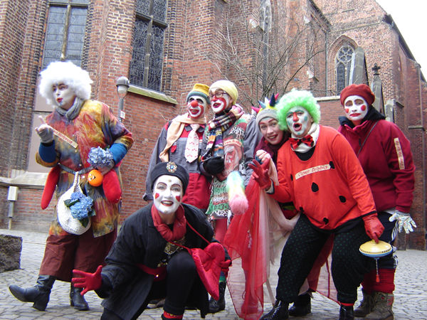 Clown Hortensia, Clown Paula, Clown Anjol, Clown Agathe, Clown Libella, Clown Delphia und Clown Halunka